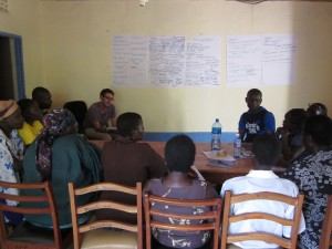 6th class Leland Fellow Quinn Bernier conducts a focus group in western Kenya with farmers on climate smart agriculture practices for the World Agroforestry Center. Courtesy: Congressional Hunger Center